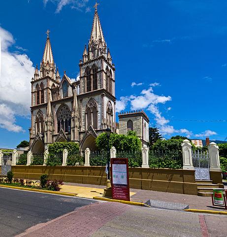 https://upload.wikimedia.org/wikipedia/commons/thumb/8/81/Iglesia_Del_Carmen_Sta_Tecla_LL_2012.jpg/461px-Iglesia_Del_Carmen_Sta_Tecla_LL_2012.jpg