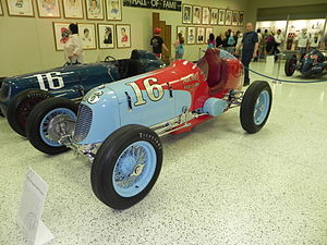 1941 Indianapolis 500 - Image: Indy 500winningcar 1941