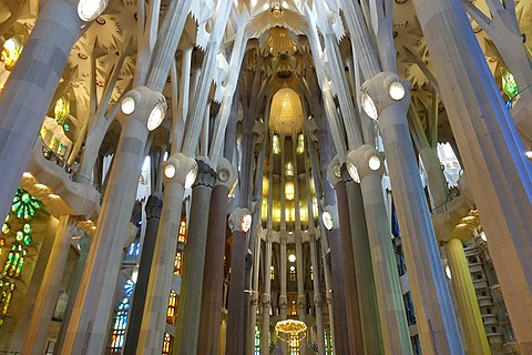Interior of the Sagrada Família (14).jpg