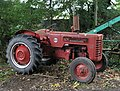 International B-275 tractor - geograph.org.uk - 251307.jpg