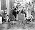 Italiaanse filmsterren Rossano Brazzi en Milly Vitale.Opnamen fontein door stor…, Bestanddeelnr 906-8515.jpg