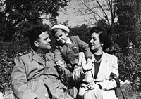 Jánosi Ferenc és felesége, Nagy Erzsébet, gyermekükkel.jpg