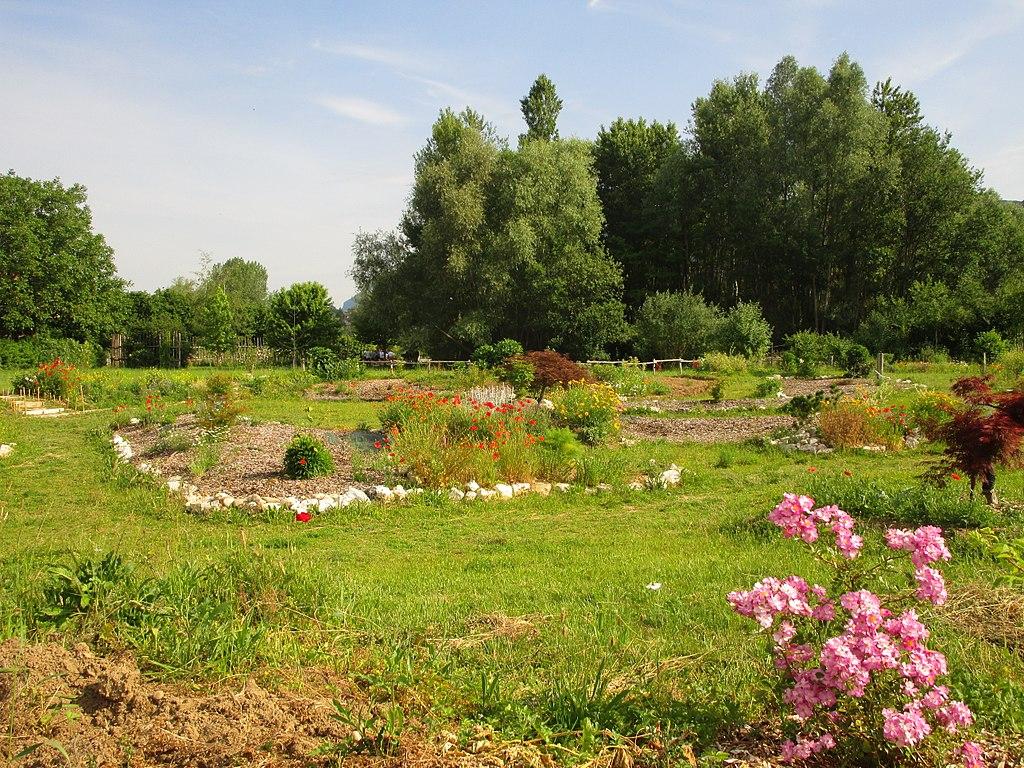 Fichier jardin vagabond labyrinthe aix les bains 2017 for Jardin jardin 2017