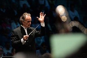 Jean-Claude Casadesus - Jean-Claude Casadesus while conducting