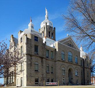 Johnson County, Missouri - Image: Johnson County Mo Courthouse retouched