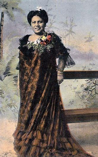 Nani Alapai - Image: Julita Nani Alapai, postcard (restored)