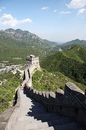 Hongwu Emperor - View of the Great Wall at Juyong Pass, reconstructed by the Ming dynasty.