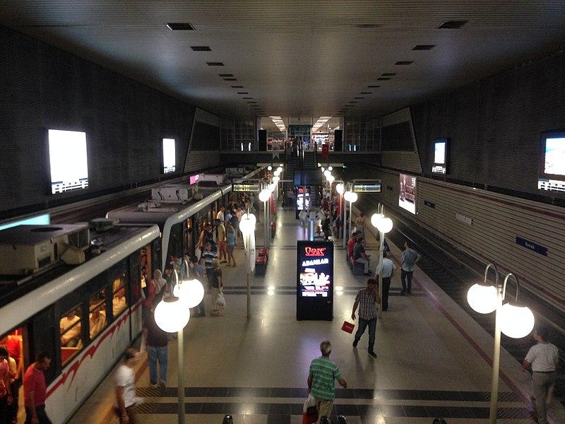 File:Konak Izmir Metro.jpg