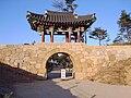 Korea-Naksansa 2207-07 entrance.JPG