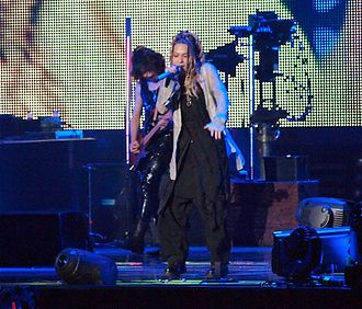 Hyde (musician) - Image: L'arc En Ciel @ MSG 3 25 12 082