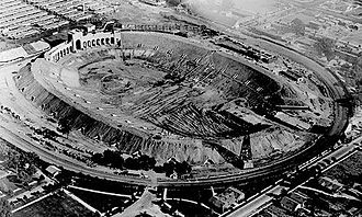 Los Angeles Memorial Coliseum - The Coliseum under construction in 1922