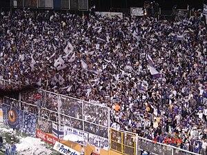 """Estadio Ricardo Saprissa Aymá - Fans of """"La Ultra Morada"""" in La Cueva"""
