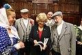 La alcaldesa se reúne con la junta directiva de la Agrupación de Madrileños y Amigos Los Castizos 08.jpg