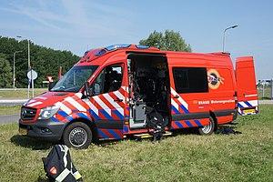 Ladderwagen Brandweer Velsen Waterongevallen pic1.JPG