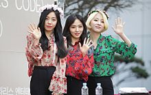 Ladies' Code at a fansign in Shinsegae inMarch 2016 04.jpg