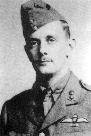Manfred von Richthofen - Major Lanoe Hawker VC