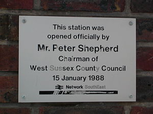 Littlehampton railway station - Plaque commemorating the opening of the new station building.