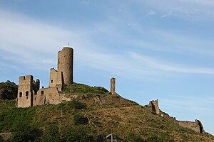 Ruine der Löwenburg über Monreal