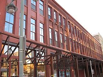 Historic Third Ward, Milwaukee - Image: Lofts in Third Ward, Milwaukee