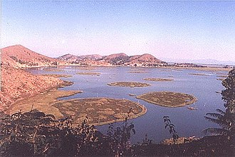 Floating island - Circular phumdis, called athampum, were artificially built for fishing in Loktak Lake