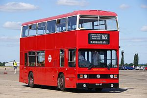 London Transport bus T6 (WYV 6T), 2010 North Weald bus rally.jpg