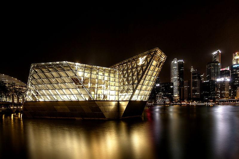 File:Louis Vuitton at Marina Bay, Singapore (8066630007).jpg