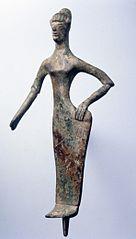 Femme coiffée du tutulus ou Turan-Aphrodite ? (25656)