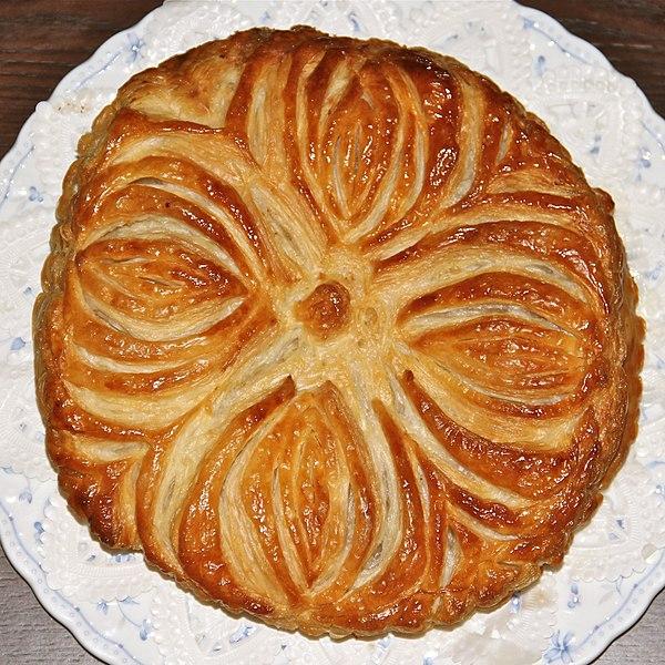 File:Making galette des rois 6.jpg