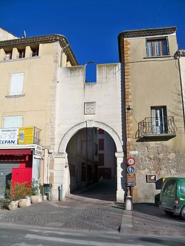 Manosque - Porte rempart.JPG