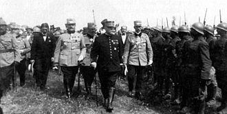 Joseph Joffre - Joffre inspecting Romanian troops