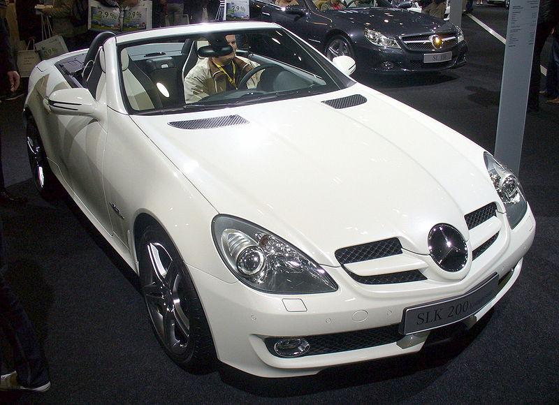 Все об автомобилях. Марки, Характеристики и прочее... 800px-Mercedes-Benz_SLK_200_Kompressor_2LOOK-Edition