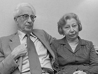 Jan Gies - Image: Miep Gies en echtgenoot (1980)