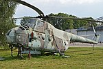 Mil Mi-4A '511' (19588718916).jpg