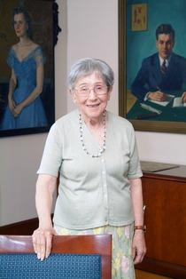 Награды в честь Дня наследия Милдред Кон в 2005 году HD2005-MildredCohn.tif