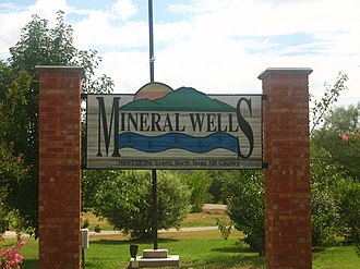 Mineral Wells, Texas - Image: Mineral Wells, TX, sign Picture 2222