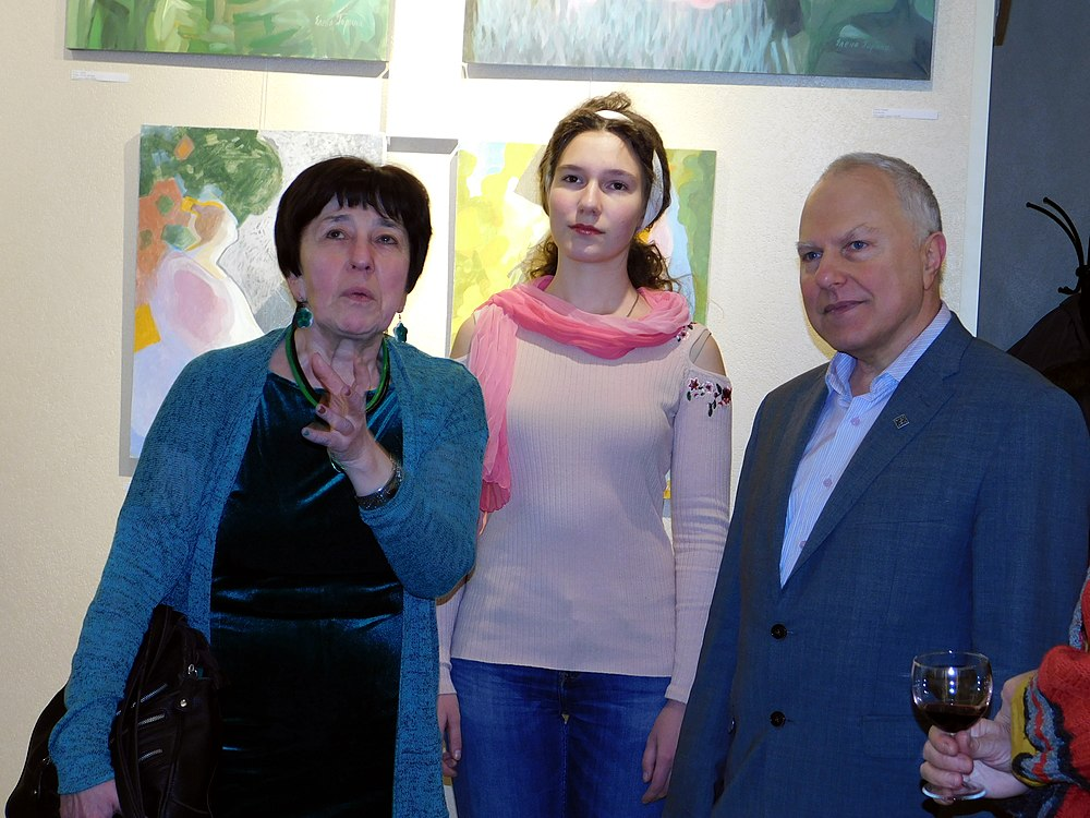 Minima gallery opening (Green collisions; 2018-12-01) 04.jpg