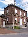 Montrécourt (Nord, Fr) école, ancienne mairie.JPG