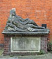 Monument to John Hiccocks, Temple Churchyard, London EC4.jpg