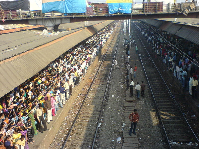 Fichier:Mumbai morning rush.jpg