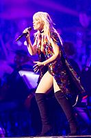 Natasha Bedingfield - 2016330221012 2016-11-25 Night of the Proms - Sven - 1D X - 0660 - DV3P2800 mod.jpg
