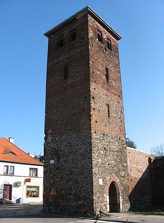 Byczyna - Image: Niemiecka Tower Gate Byczyna POL