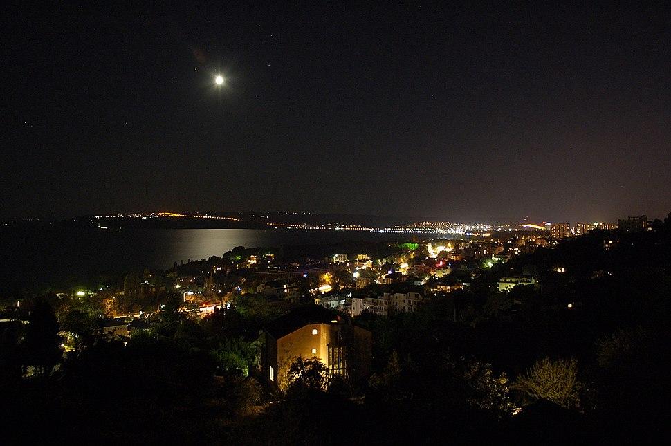 Night shot of Varna