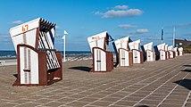 Norderney, Strandkörbe an der Strandpromenade -- 2016 -- 5189.jpg