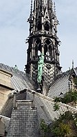 Notre Dame statues 2015-9.jpg
