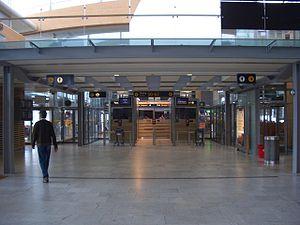 Oslo Airport, Gardermoen - Passport control