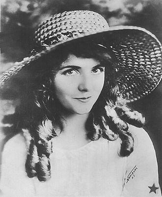 Olive Thomas - Thomas circa 1920