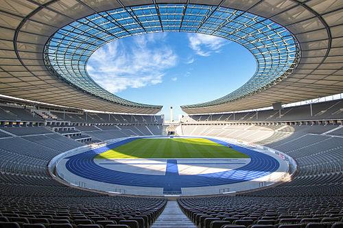 500px-Olympiastadion_Berlin_Sep-2015.jpg