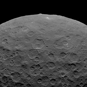 Ahuna Mons - Image: PIA19578 Ceres Dwarf Planet Dawn 2nd Mapping Orbit image 10 20150614 rotated 180