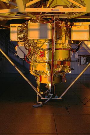 Very Large Telescope - A diagram showing instruments at VLT