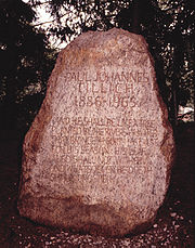 Paul Johannes Tillich's gravestone in the Paul Tillich Park, New Harmony, Indiana.jpg